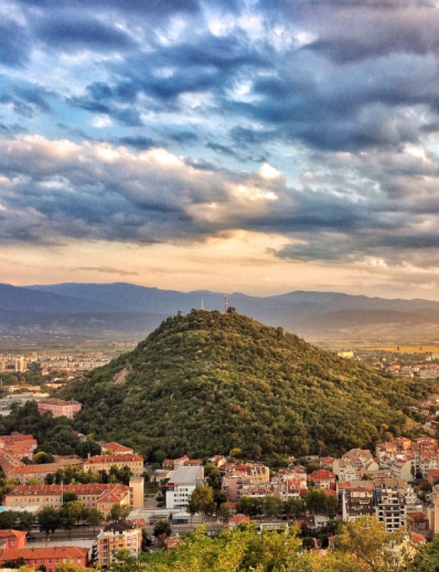 Plovdiv's classic: sunset drinks on a hill