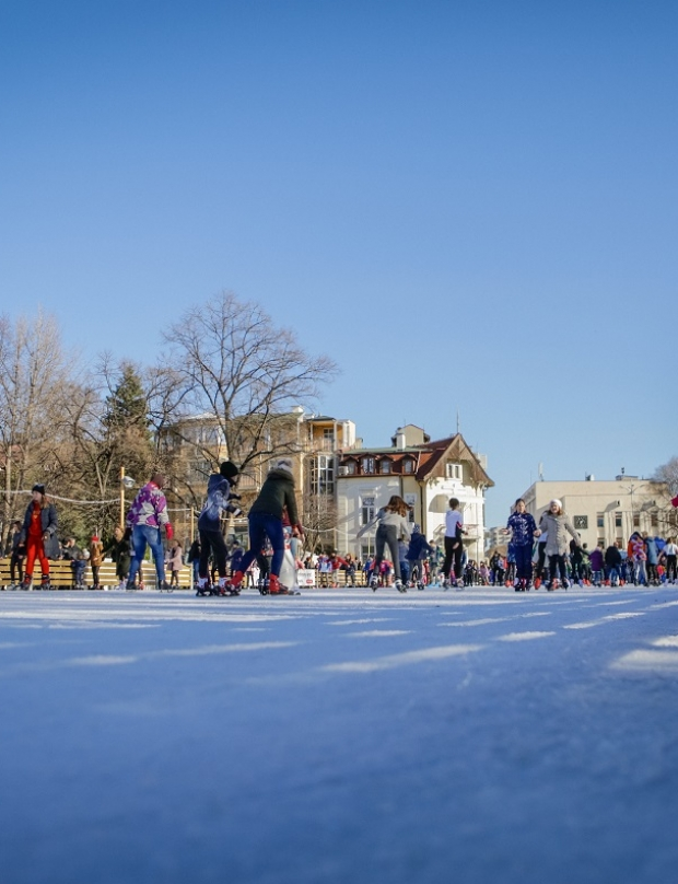 Ice fun (photo gallery)